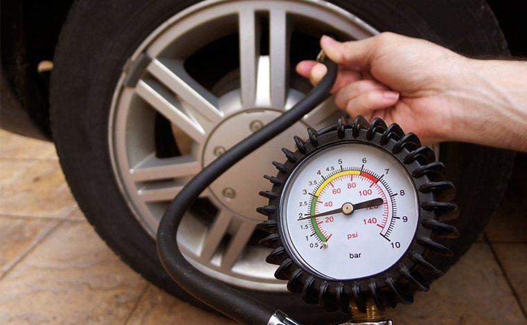 Kỹ năng kiểm tra áp suất lốp ô tô mà các bác tài cần nắm