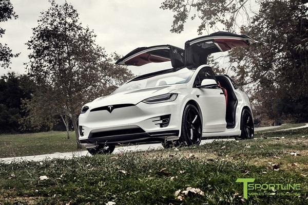 Xe điện Tesla Model X nội thất cao cấp giá 180000 USD
