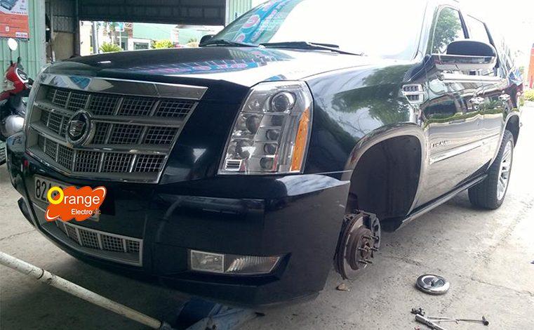 Lắp đặt cảm biến áp suất lốp xe Cadillac Escalade 2009
