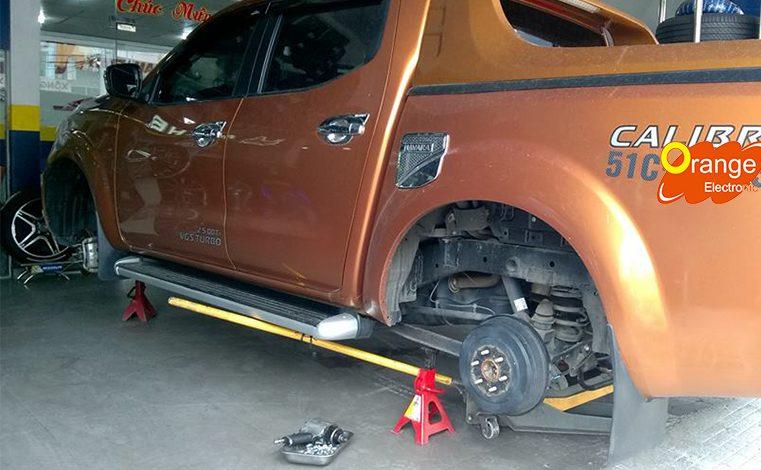 Lắp đặt cảm biến áp suất lốp xe Nissan Navara
