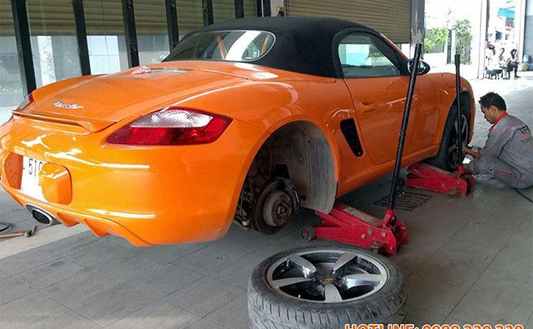 Cài đặt cảm biến áp suất lốp Porsche Boxster 2008