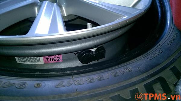 Cảm biến áp suất lốp theo xe