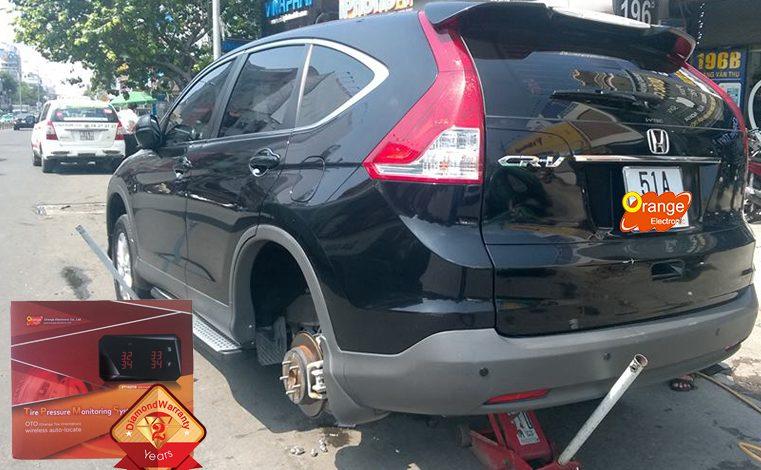 Lắp đặt TPMS màn hình kim cương xe Honda CR-V