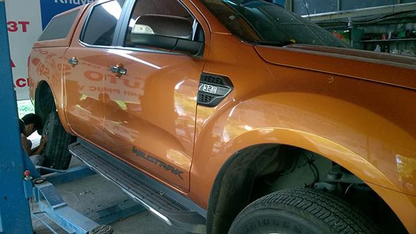 Lắp đặt cảm biến áp suất lốp xe Ford Ranger Wildtrak 3.2 2016