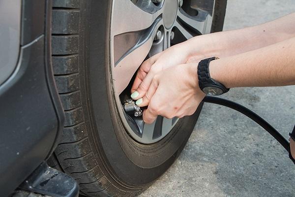 Có nên bơm lốp ô tô bằng khí Nitơ