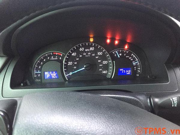 cài đặt cảm biến áp suất lốp toyota camry 2013