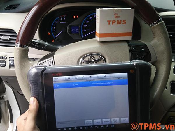 Cảm biến áp suất lốp Toyota Sienna 2013