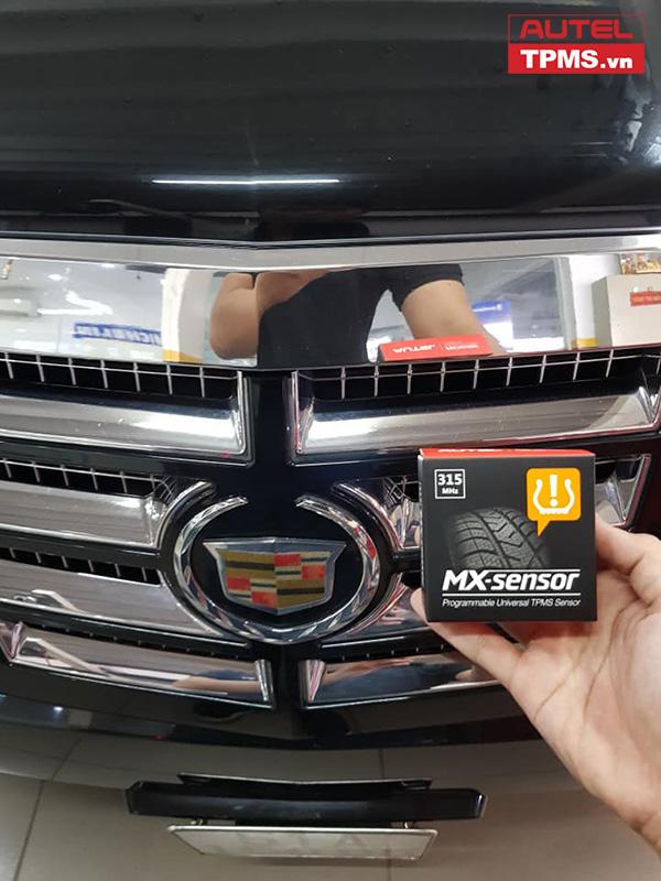 Cài đặt cảm biến áp suất lốp Cadillac Escalade 2008
