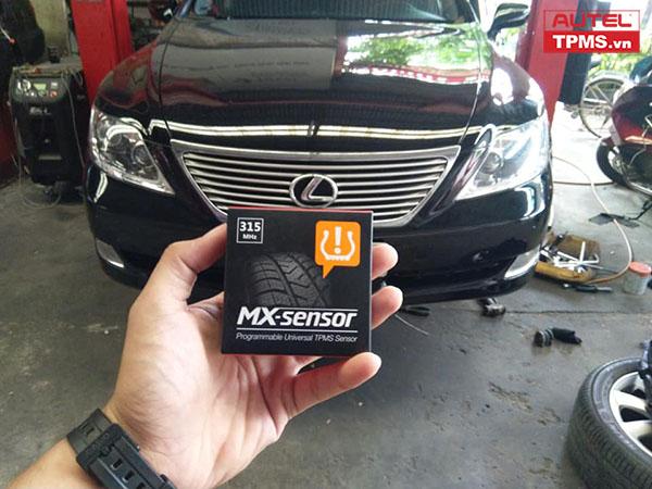 Cài đặt cảm biến áp suất lốp Lexus LS460 2008