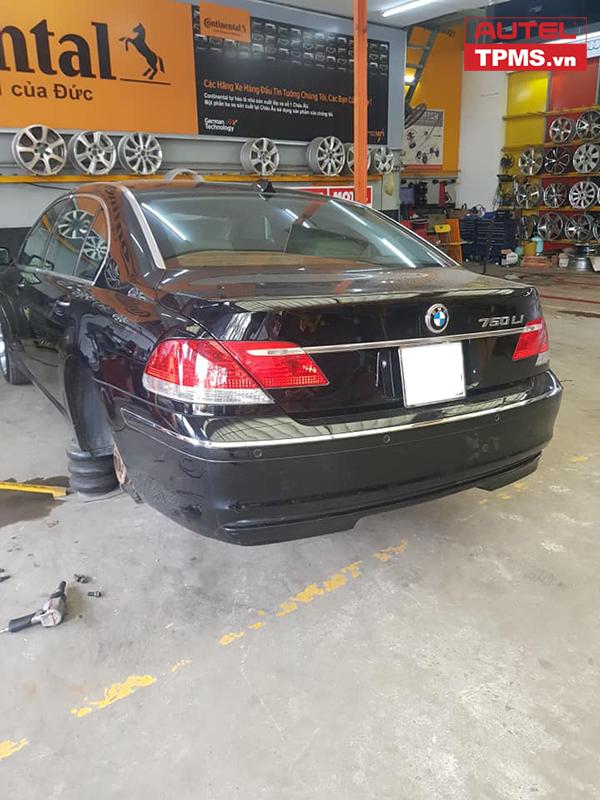 CAI-DAT-CAM-BIEN-AP-SUAT-LOP-BMW-750LI-(8)