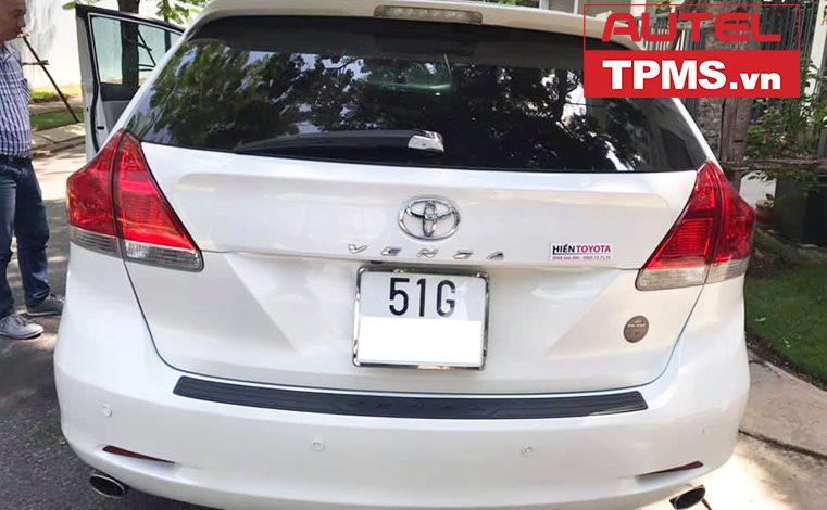 Thay van cảm biến áp suất lốp Toyota Venza 2009